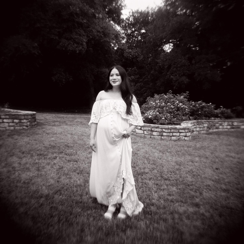 maternity shoot holga
